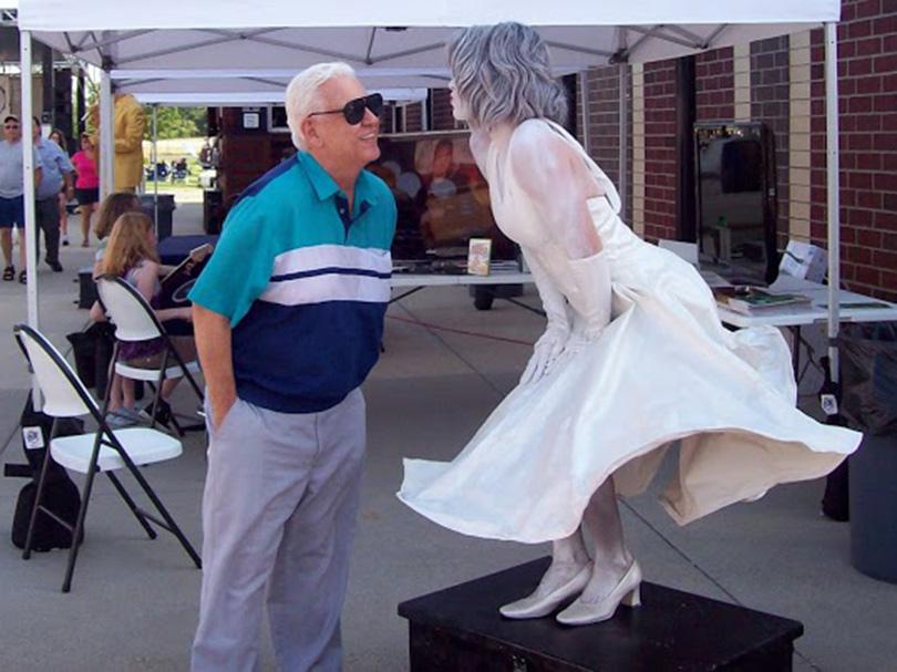Marilyn Monroe Living Statue