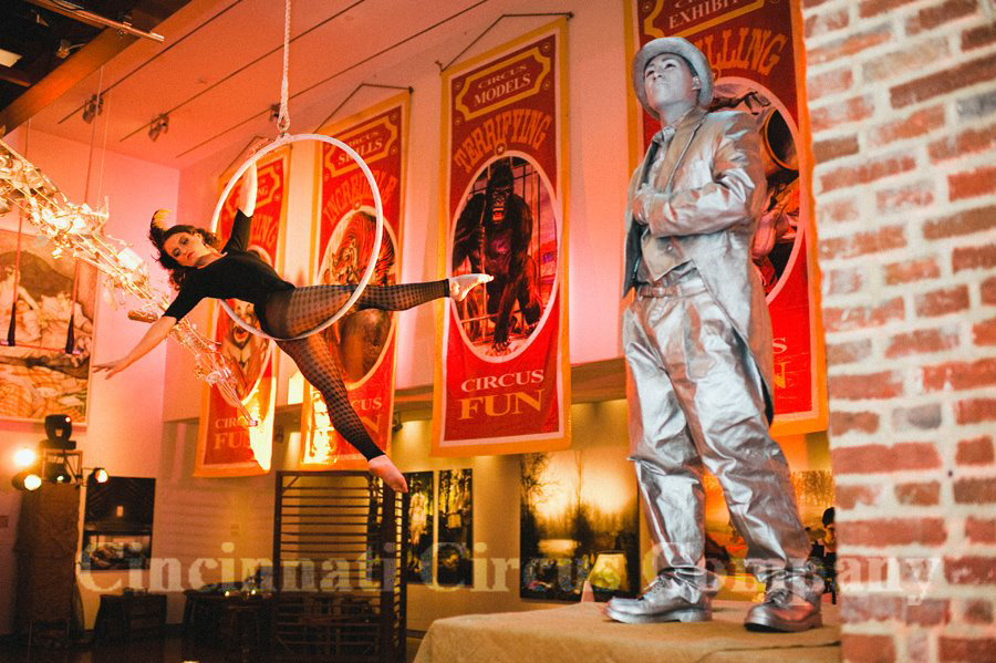 Cincinnati OH Living Statues