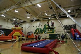 Flying Trapeze Inside