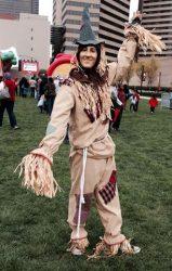 cincinnati scarecrow wizard of oz mime living statue