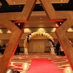 Red Carpet & Balloon Arch